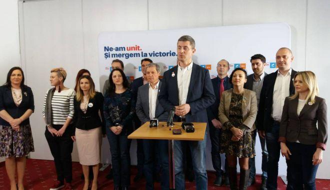 Preşedintele USR Dan Barna şi liderul PLUS Dacian Cioloş, prezenţi la Constanţa - 53560122411006659469593815479080-1552814410.jpg