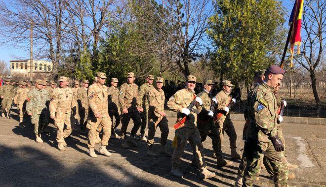 Foto: GALERIE FOTO / Momente emoţionante la Constanţa. Militarii români din Afganistan s-au întors acasă