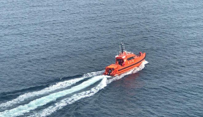 Foto: VIDEO. Cei trei pescari dispăruţi în apele Mării Negre, căutaţi cu elicopterul