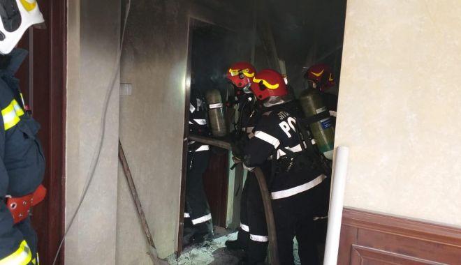 Foto: Incendiu într-un hotel din Mamaia!