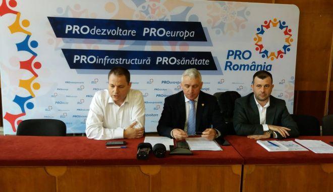 Foto: PRO România, conferinţă de presă la Constanţa. Cine sunt candidaţii la europarlamentare