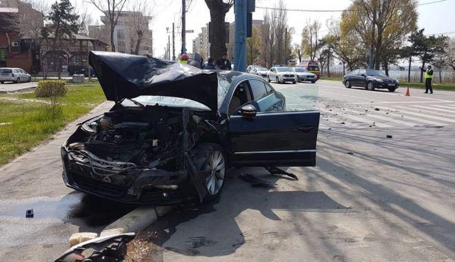 Foto: UPDATE - Accident rutier cu patru victime, în staţiunea Mamaia