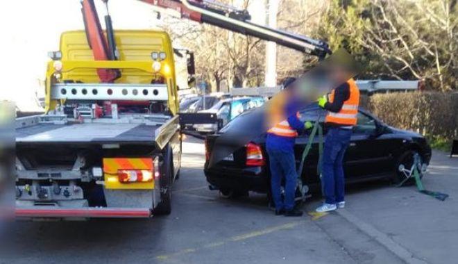 Foto: Constănţeni, atenţie! Iată cât de uşor vi se poate ridica maşina - FOTO