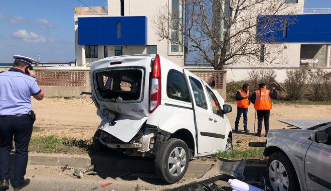 GALERIE FOTO / Accident rutier între Eforii! Două mașini implicate, O VICTIMĂ! - 56416899343557229639174218569813-1554290668.jpg