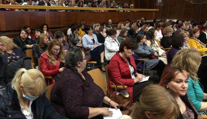 Foto: UPDATE - Soarta învăţământului, dezbătută la Constanţa, în aceste momente