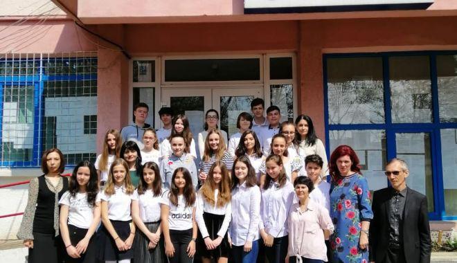 Foto: Premii importante pentru elevii Şcolii nr. 12 Constanţa