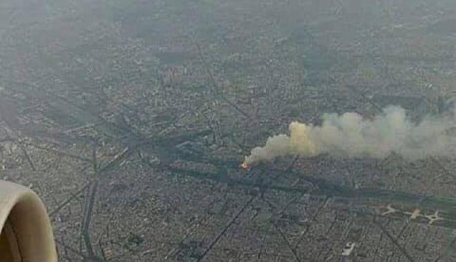 Foto: IMAGINEA ZILEI. Tragedia de la Notre Dame, surprinsă din avion