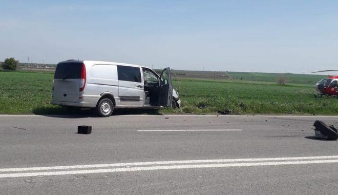Galerie foto. Accident cu CINCI victime, la Constanţa, după ce un autoturism a intrat pe contrasens - 59801342222616522747532778697489-1556877186.jpg