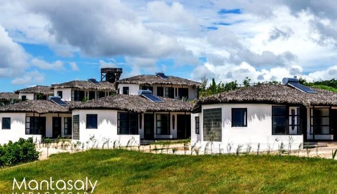 CUM ARATĂ HOTELUL LUI RADU MAZĂRE DIN MADAGASCAR / GALERIE FOTO - 6-1465969103.jpg