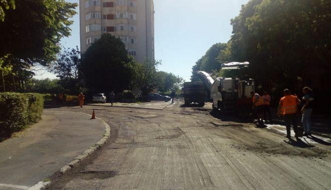 Foto: Primăria continuă reabilitarea străzilor din oraș