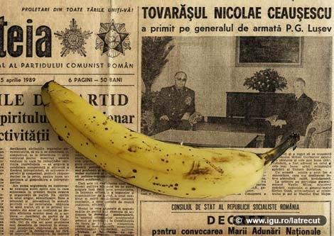 """Foto: VIDEO - CUM PETRECEAU ROMÂNII REVELIONUL ÎN COMUNISM. Bananele şi portocalele erau """"vedete"""" şi nu lipsea discursul lui Ceauşescu"""