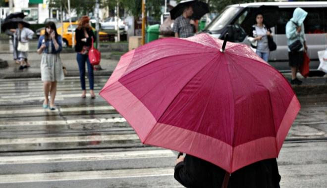 Foto: VIN PLOILE LA CONSTANŢA! Ce spun meteorologii