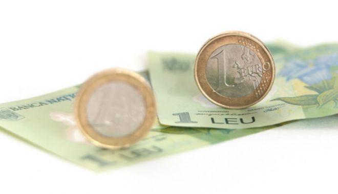 Euro a recuperat 0,08% în favoarea leului. Iată cotaţia zilei - 61399196-1518527919.jpg