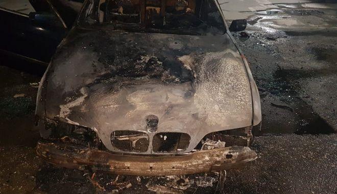 Foto: Maşină făcută scrum! Poliţia Constanţa a deschis dosar penal