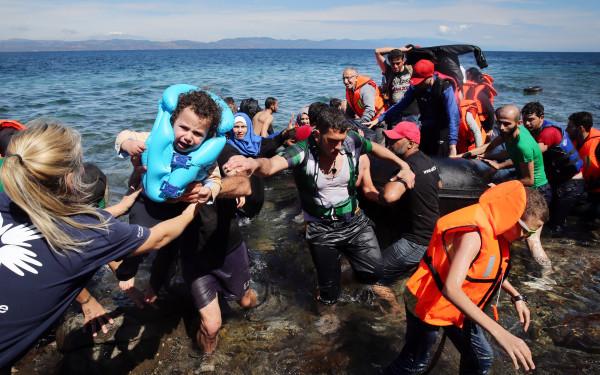 Foto: Criza refugiaţilor. Cel puțin 12 imigranți au murit înecați