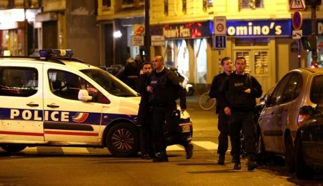 Foto: Anchetatorii caută alți doi suspecți în atentatele de la Paris