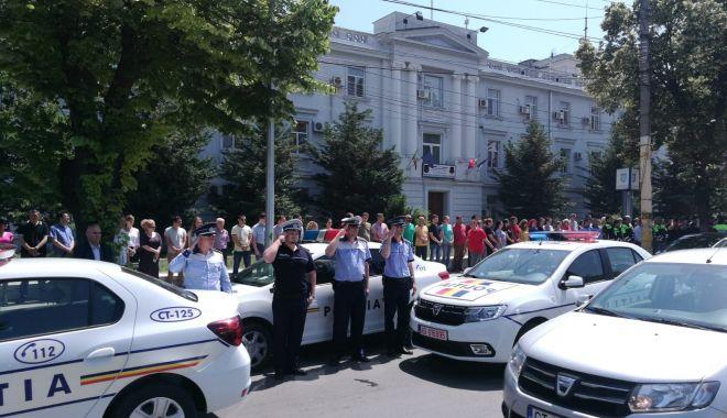 Foto: Momente de reculegere la Constanţa, pentru poliţistul împușcat în gât de un infractor