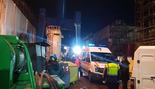 Foto: Accident de muncă pe şantierul naval din Tulcea. Un bărbat a murit