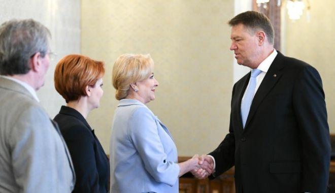 Foto: Klaus Iohannis a invitat-o pe Viorica Dăncilă la Cotroceni