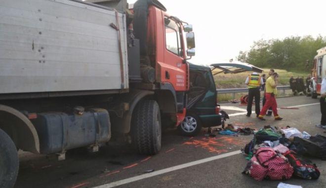 Foto: NOUĂ VIEŢI PENTRU UN LIVE PE FACEBOOK / Cum s-a produs tragicul accident cu români - animaţie grafică