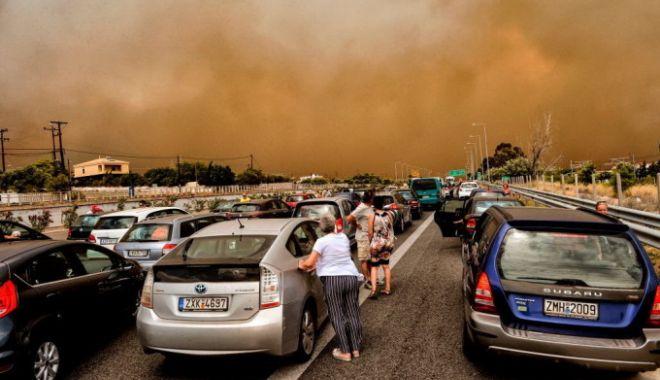 Foto: Autoritățile din Grecia, criticate dur. Presa scrie că nu a existat un plan de evacuare!