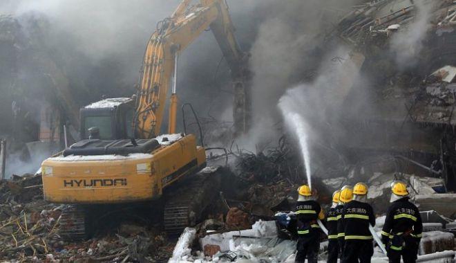 Foto: 18 oameni, morţi de vii într-un incendiu izbucnit într-un hotel