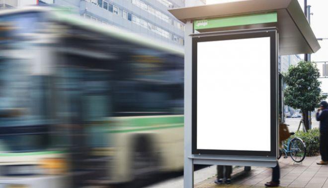 Foto: Femeie atacată în staţia de autobuz, la Constanţa! Tâlharul i-a smuls telefonul mobil