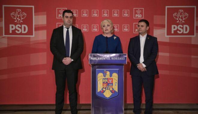 Foto: Răzvan Cuc şi Daniel Suciu depun jurământul în faţa lui Iohannis