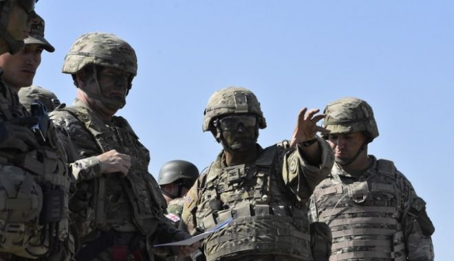 """Foto: Fostul şef al forţelor SUA în Europa: """"După Crimeea, e posibil ca ruşii să ocupe România"""""""