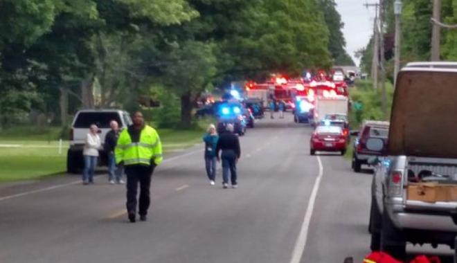 Foto: Tragedie rutieră. Cinci biciclişti morţi, după ce un şofer a intrat în ei cu o camionetă
