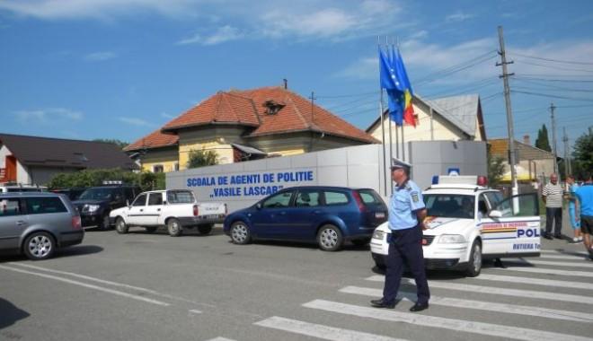 Foto: Şi pentru a se intra la Şcoala de Poliţie se dă şpagă