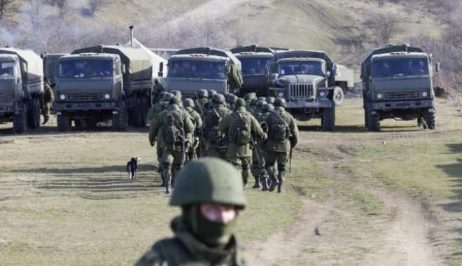 Foto: Un convoi format din 280 de camioane ruseşti se îndreaptă spre Ucraina
