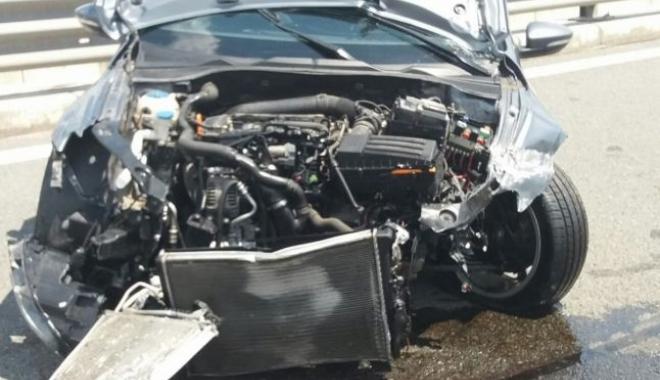 Foto: VIDEO. ACCIDENT VIOLENT PE AUTOSTRADĂ! Un tânăr care circula cu 236 de KM/H a derapat, după ce i-a sunat telefonul