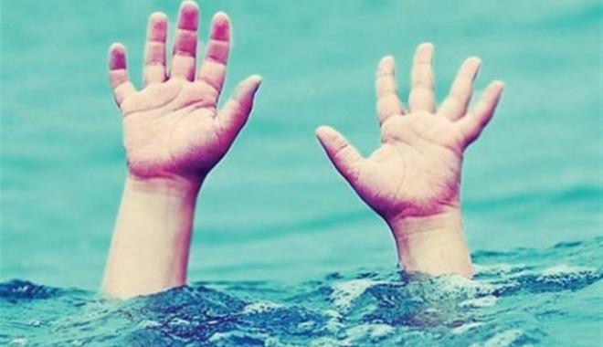 Foto: UPDATE / O altă persoană, dispărută în mare, la Vama Veche. Intervine elicopterul Smurd