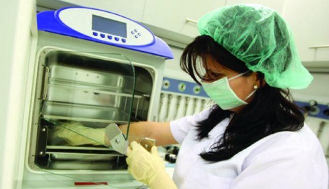 Gafă incredibilă făcută de o clinică de fertilizare: o femeie asiatică a născut gemeni albi - 646x404-1562757584.jpg