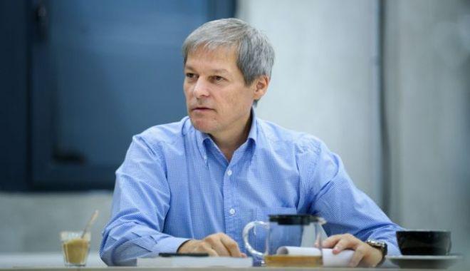 """Foto: Cioloş, despre stimularea profesorilor capabili: """"Nu spun că nu sunt bine pregătiţi sau că sunt rău intenţionaţi, dar..."""""""