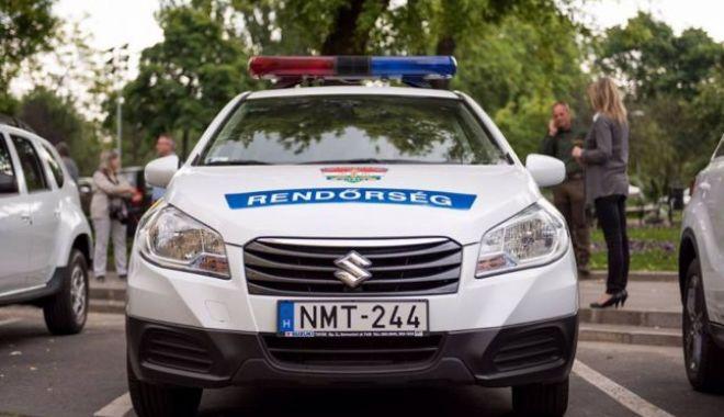 Foto: DE-A RÂSU' PLÂNSU' / Un român şi-a uitat soţia într-o parcare din Ungaria. Femeia nu avea nici telefon mobil, nici bani şi nici documente la ea