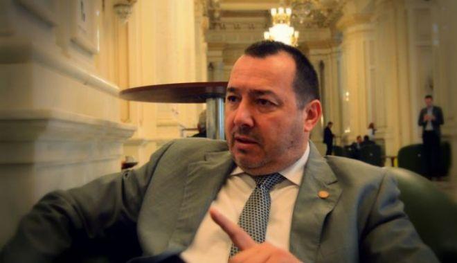 Foto: Deputatul Mitralieră, prima reacţie după ce Olguţa Vasilescu a rămas fără minister