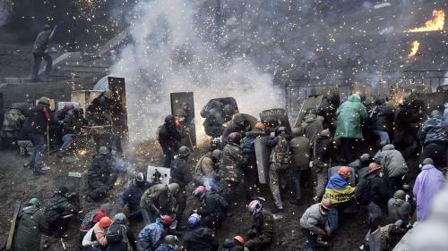 Foto: REVOLUŢIE ÎN UCRAINA. Lupte cu muniţie de război: 50 DE MORŢI!