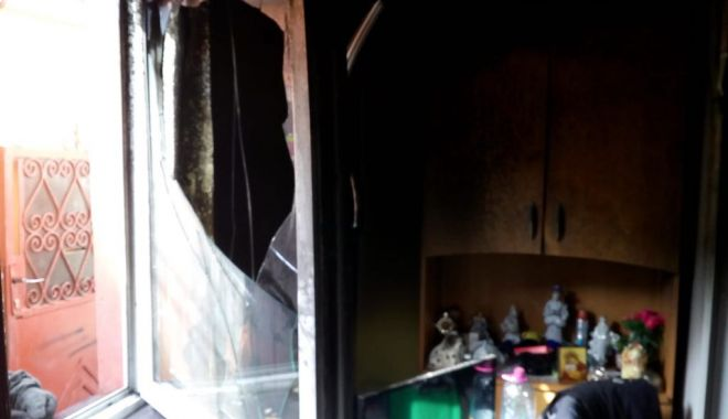 GALERIE FOTO / Incendiu la Constanţa! Intervin pompierii! - 66099157355259431811146237610940-1562658535.jpg