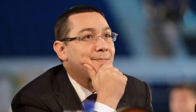 Foto: Victor Ponta, PUS LA ZID de presa internaţională, după anunţul demisiei