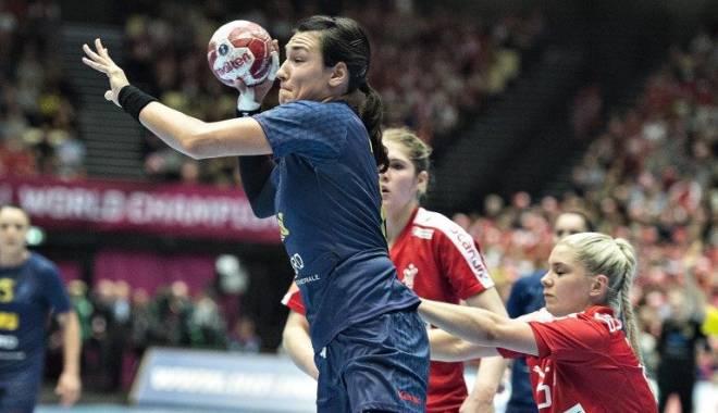 România, CALIFICATĂ în semifinalele Campionatului Mondial de handbal feminin după un meci dramatic împotriva țării gazdă - 68860101781262162569864769804656-1450341450.jpg