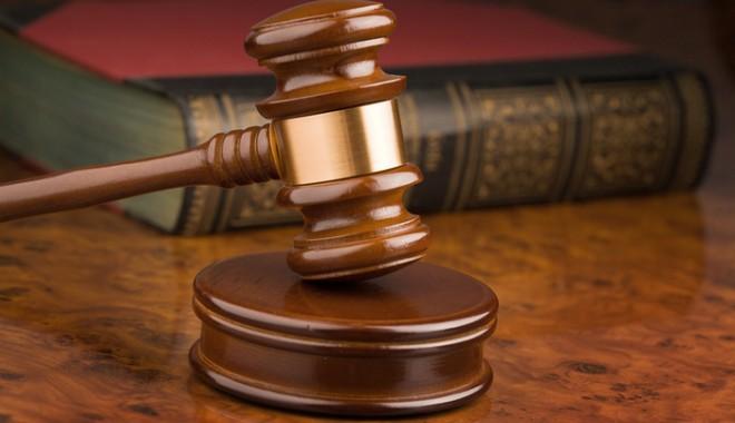 Proces simulat la Tribunalul Constanța, regizat și interpretat de studenți - 691gavel-1333965214.jpg