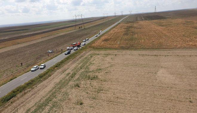 Foto: AUTOTURISM RĂSTURNAT ÎN JUD. CONSTANȚA! Sunt patru victime