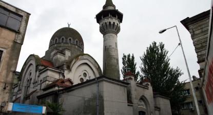 Cel mai faimos covor oriental poate fi văzut la moscheea din Piața Ovidiu - 6d9aa24e4e1bd900a7125cf8b97299c5.jpg