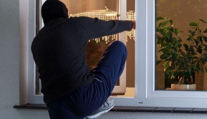 Tâlhării, furturi auto și din locuințe! Poliția Constanța ia măsuri - 6furturilocuintenu-1571743156.jpg