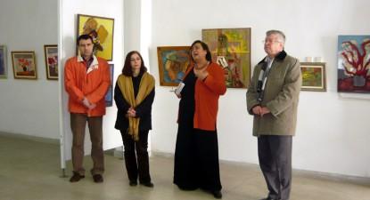 """Foto: """"Scara cu flori"""", expoziţia care vesteşte primăvara, la Muzeul de Artă"""