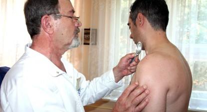 Foto: Muta�iile, leg�tura dintre aluni�e �i cancerul de piele