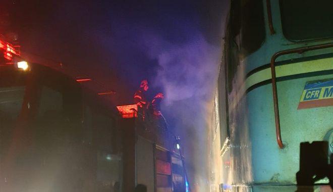 Cauza INCENDIULUI care a distrus o locomotivă, în zona industrială a Constanței - 71954142247522824608042090488492-1570695147.jpg