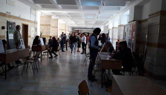 Galerie foto. Bursa Locurilor de Muncă, de la Constanța, o dezamăgire - 72623635128153895535845659546429-1571385703.jpg